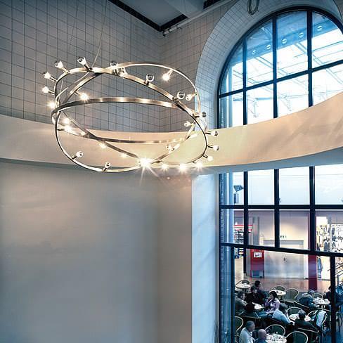 Lampen aus Edelstahlringen Quelle: licht-im-raum.de